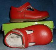 Продам туфли  для девочки: - цвет красный